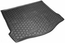 Резиновые коврики в багажник Ford Focus (2011>) (Хетчбэк) (с докаткой)
